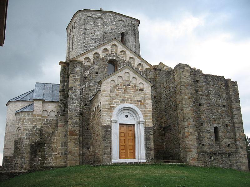 ?ur?evi Stupovi Monastery by Lumen roma